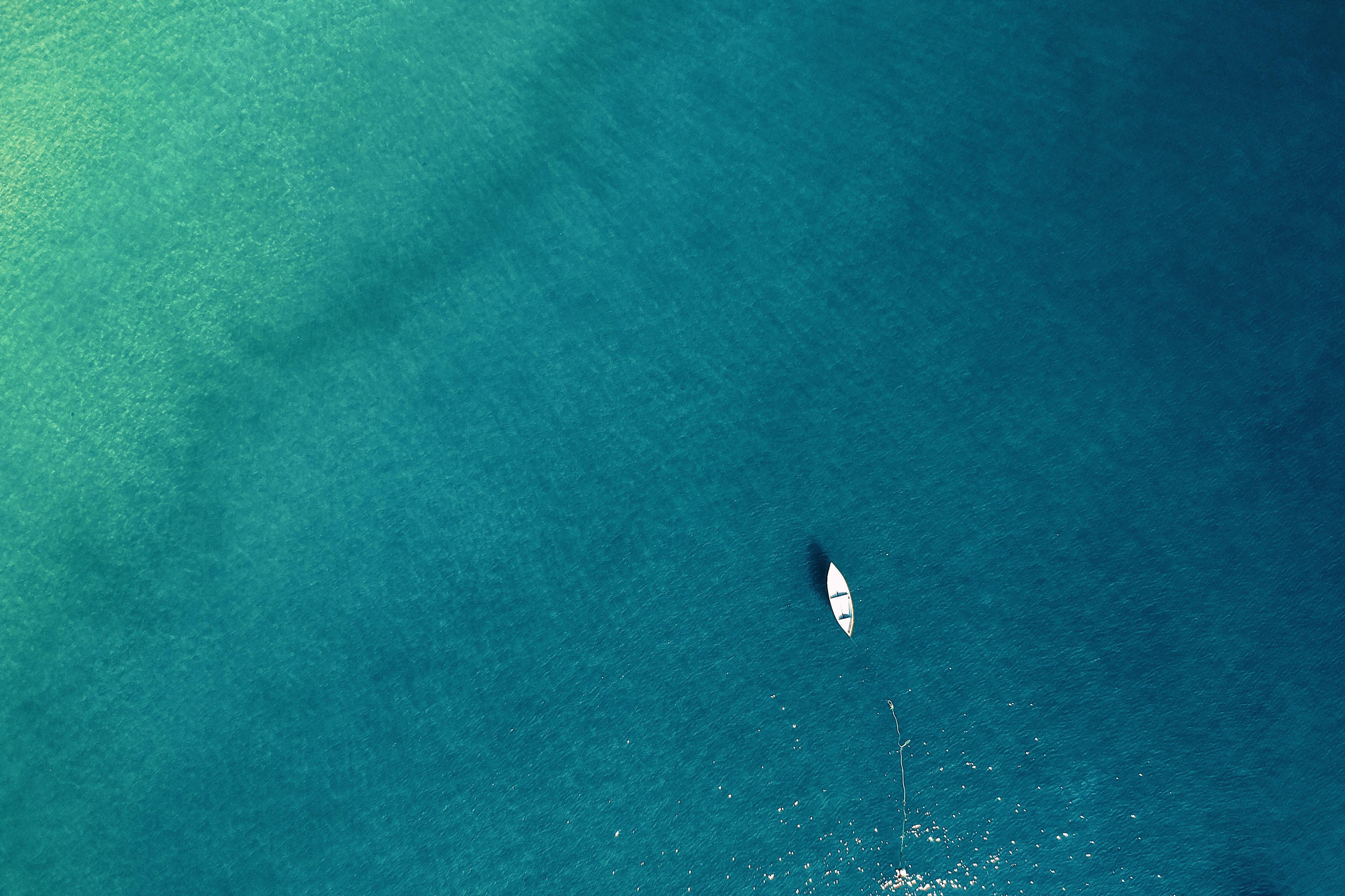 barca nel mare